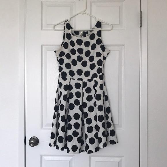 Polka dot A-line dress with belt loops